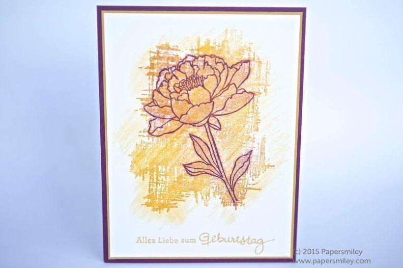 Karte mit Blume aus Pastellkreide